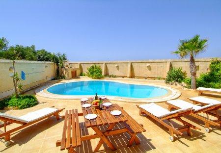 Villa in San Lawrenz, Malta
