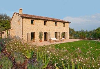 6 bedroom Villa for rent in Perugia