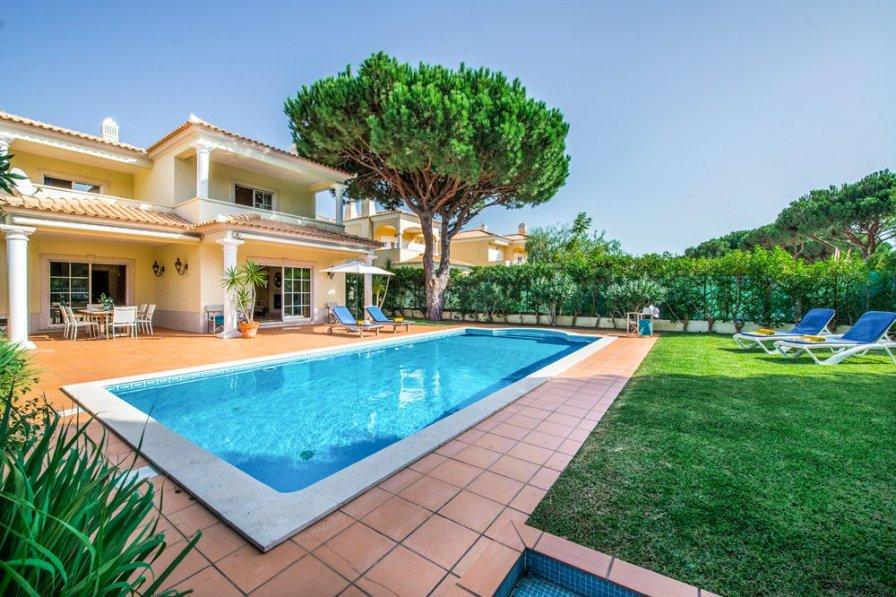 Villa To Rent In Vilamoura Algarve With Private Pool 203337