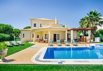4 bedroom Villa for rent in Quarteira
