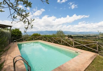 4 bedroom Villa for rent in Bucine