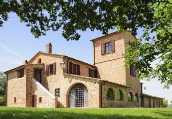 10 bedroom Villa for rent in Cetona