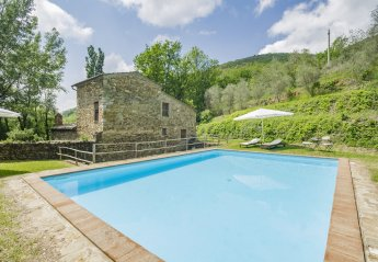 4 bedroom Villa for rent in Montalcino
