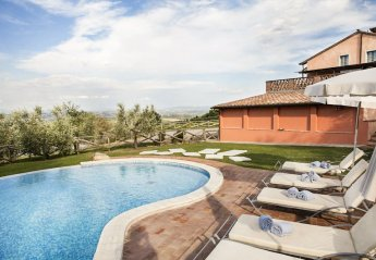 5 bedroom Villa for rent in Montepulciano