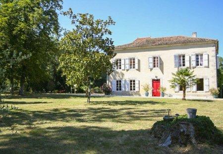 Villa in Mézin, France