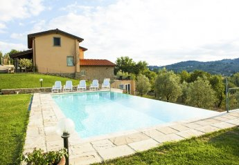 5 bedroom Villa for rent in Monte San Savino