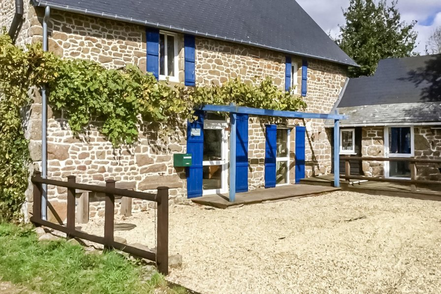 Villa to rent in Mayenne