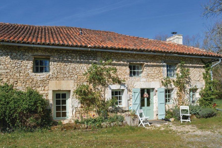 Villa rental in Dordogne with private pool