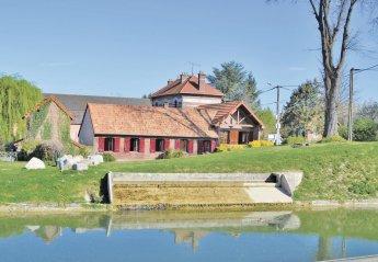 Villa in France, Frise