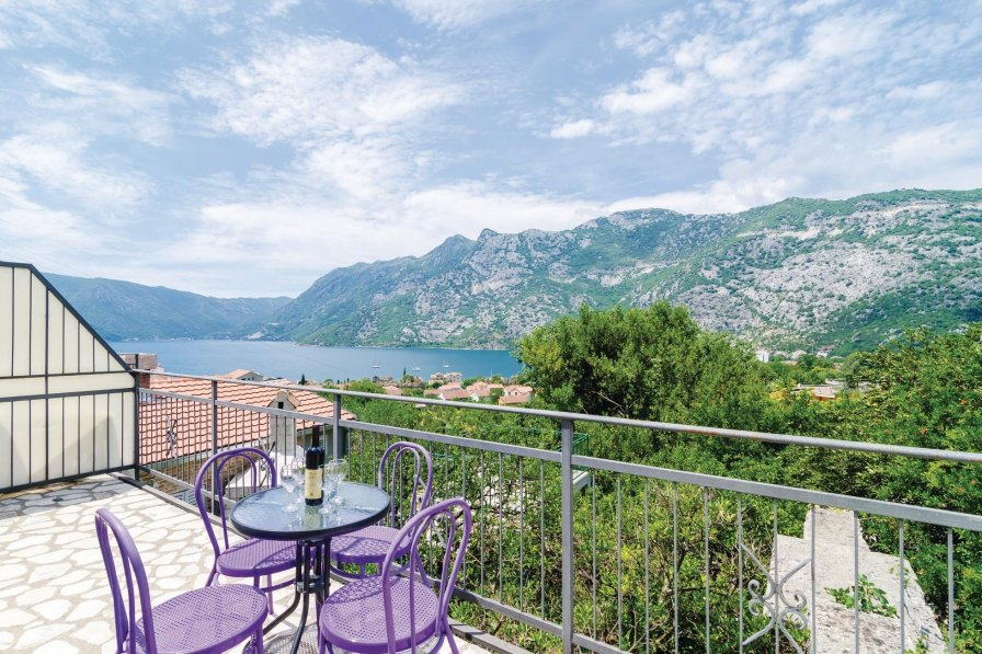Apartment to rent in Kotor