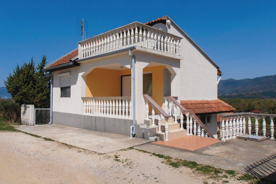 Tivat holiday villa rental