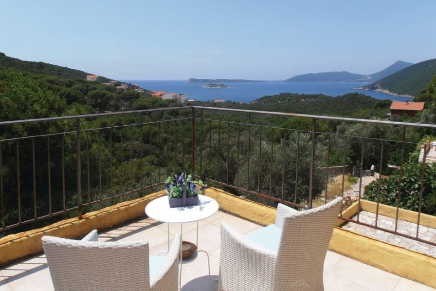 Tivat villa to rent
