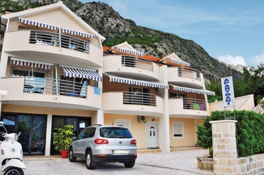 Kotor holiday apartment rental