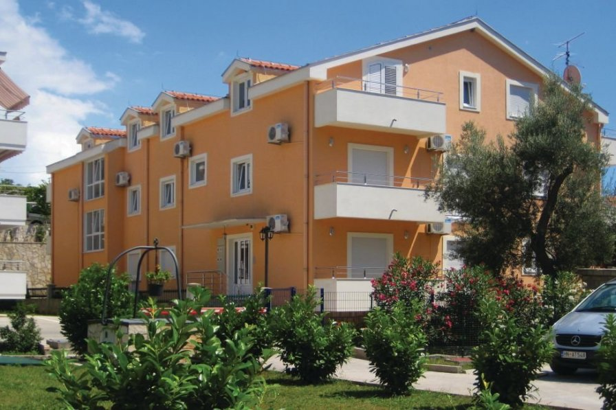 Herceg Novi holiday apartment rental