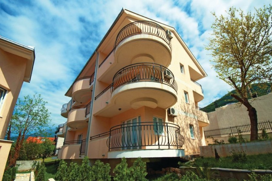 Holiday apartment in Herceg Novi with shared pool