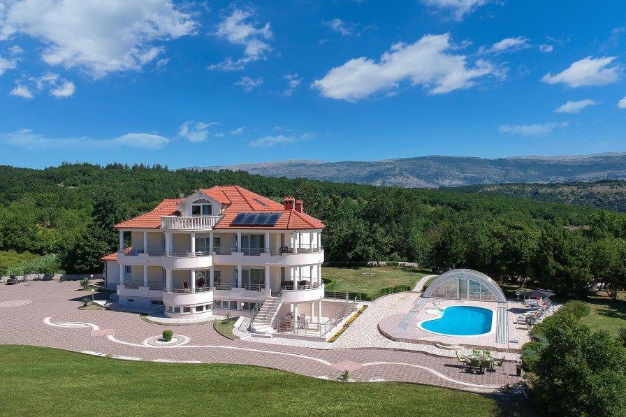 Villa in Croatia, Hrvace
