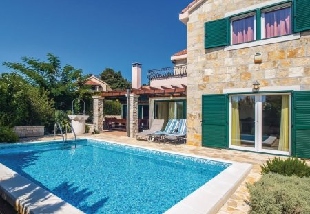 Villa in Pražnica, Croatia: OLYMPUS DIGITAL CAMERA