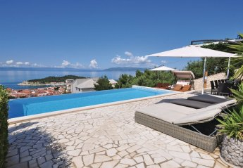 7 bedroom Villa for rent in Makarska