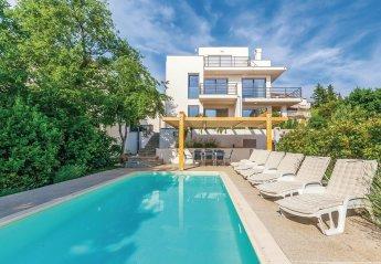 4 bedroom Villa for rent in Dramalj