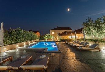 5 bedroom Villa for rent in Split