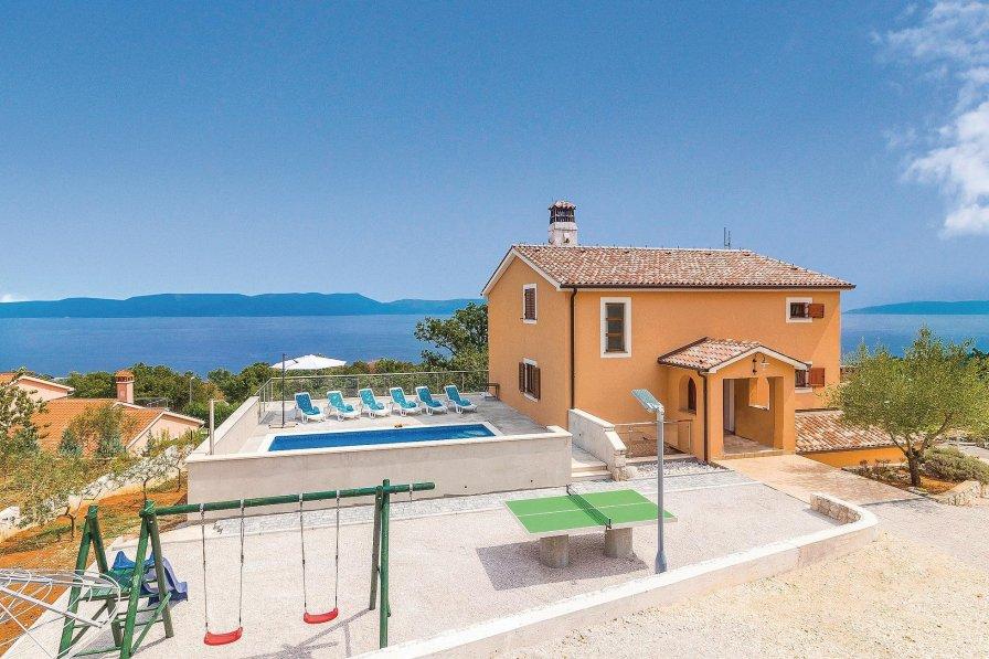 Villa in Croatia, Crni