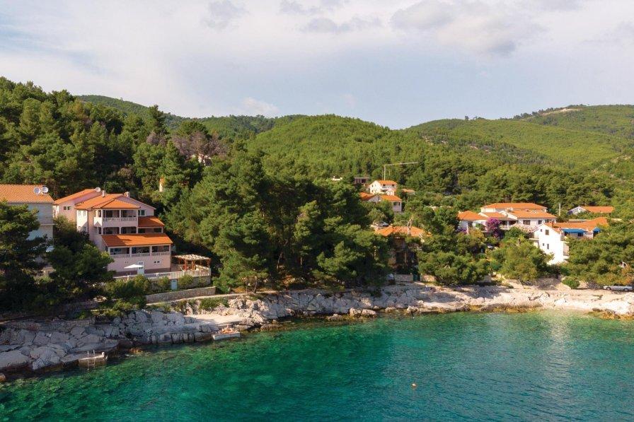 Apartment in Croatia, Prižba