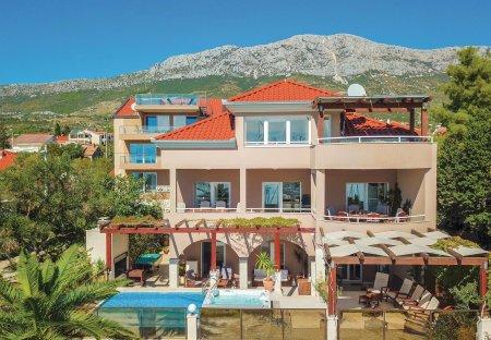 Villa in Kaštel Gomilica, Croatia