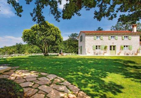 Villa in Bartići, Croatia