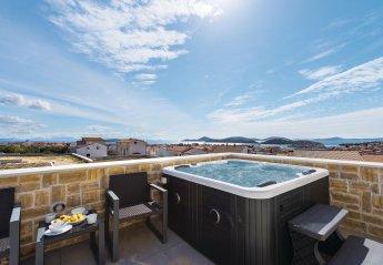 4 bedroom Villa for rent in Tribunj