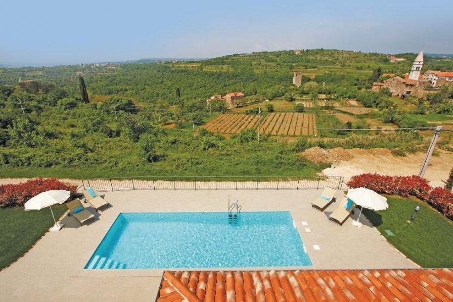 Villa in Croatia, Momjan: --