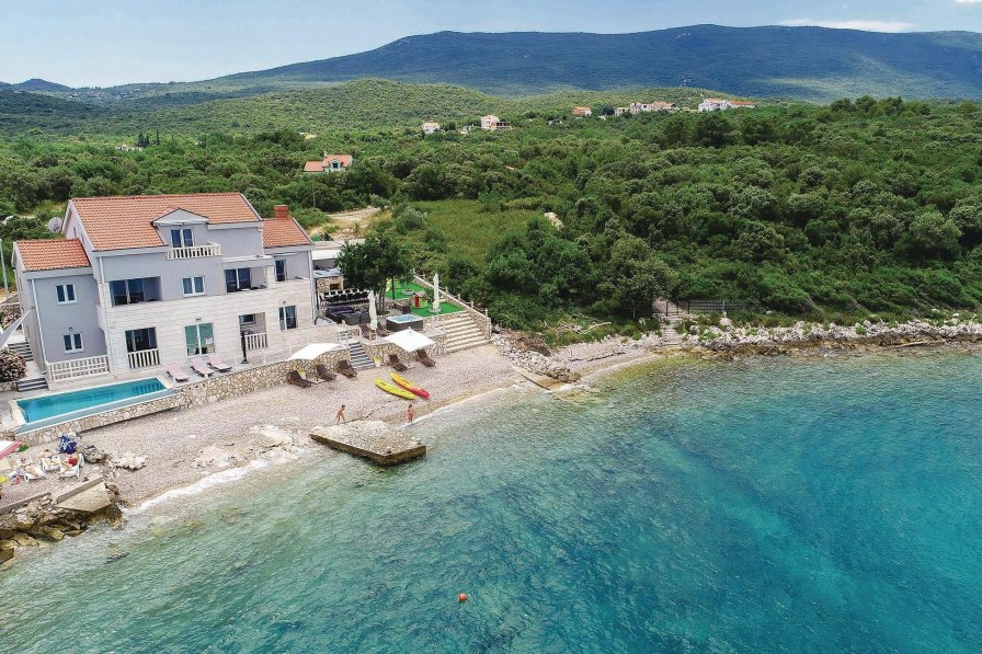 Villa in Croatia, Sreser
