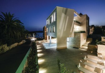 7 bedroom Villa for rent in Trogir