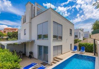 3 bedroom Villa for rent in Malinska