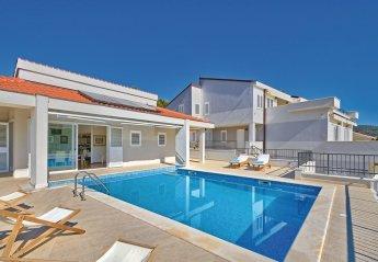 7 bedroom Villa for rent in Primosten