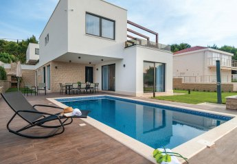 5 bedroom Villa for rent in Okrug Gornji