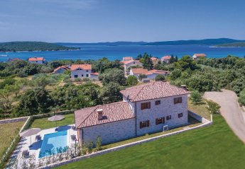 Villa in Croatia, Ugljan