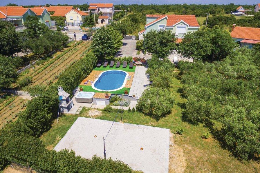 Villa in Croatia, Zemunik Gornji