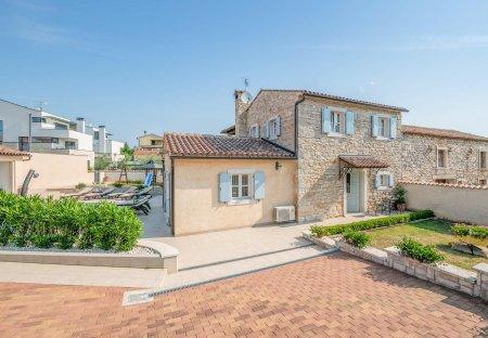 Villa in Valtura, Croatia
