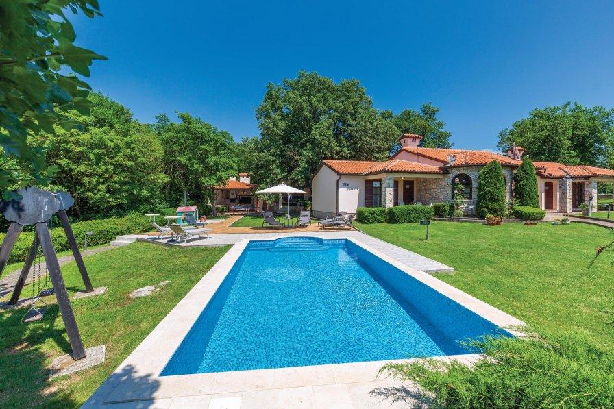 Villa in Croatia, Belavići