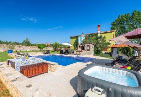Villa in Galižana, Croatia