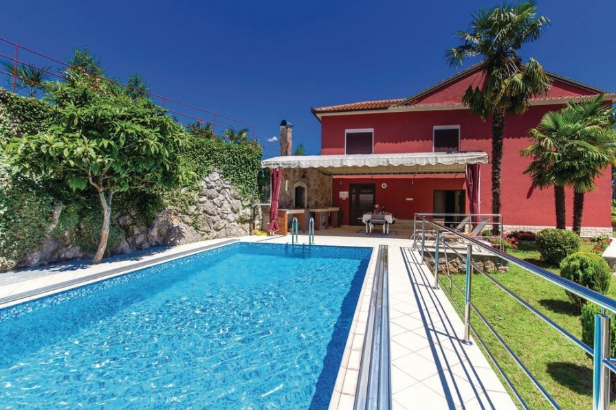 Villa To Rent In Pobri Croatia With Swimming Pool 204221