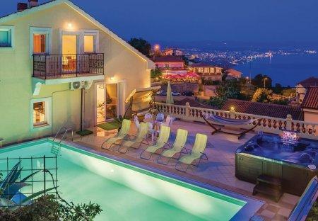 Villa in Bregi, Croatia