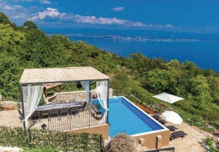 Villa in Obrš, Croatia