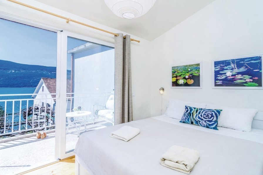 Herceg Novi holiday villa rental