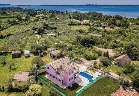 Villa in Peroj, Croatia
