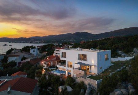 Villa in Okrug Donji, Croatia