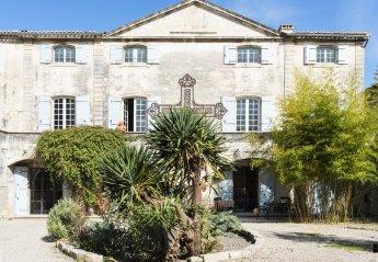 Villa in France, Vallabrègues