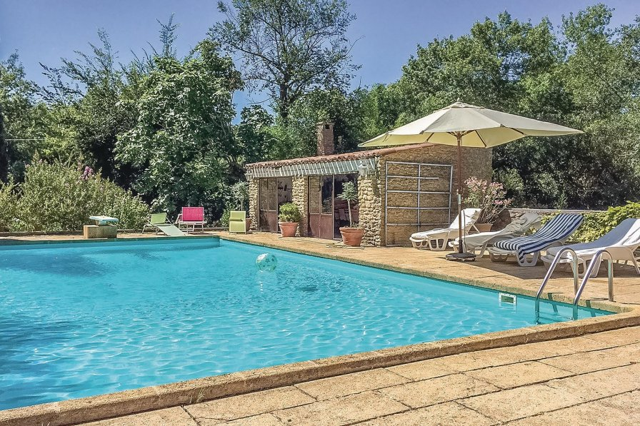 Bouches-du-Rhone holiday villa rental with private pool