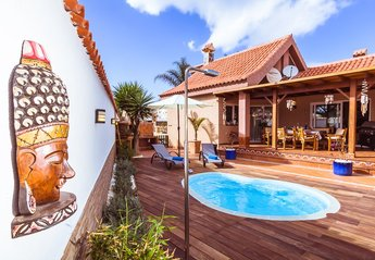 4 bedroom Villa for rent in Corralejo