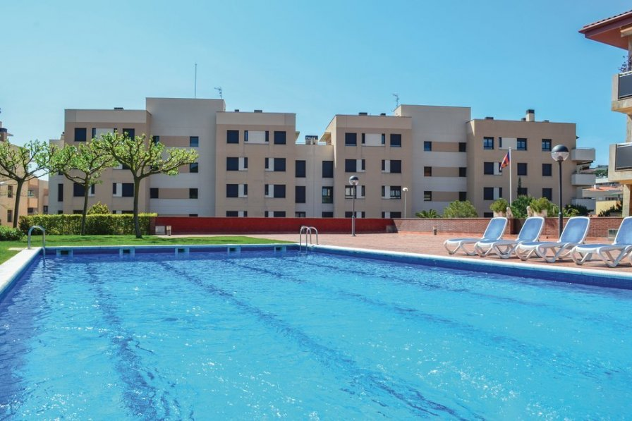 Apartment To Rent In Lloret De Mar Spain With Pool 204426